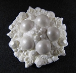 Brooch 5 Pearl By Sugar Delites