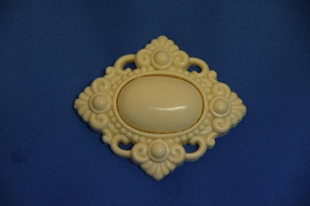 Brooch Oval Square