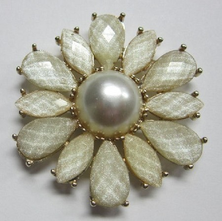"Brooch Facet Flower, by Clearview Molds, measures 2"" x 2"" x 1/2""."