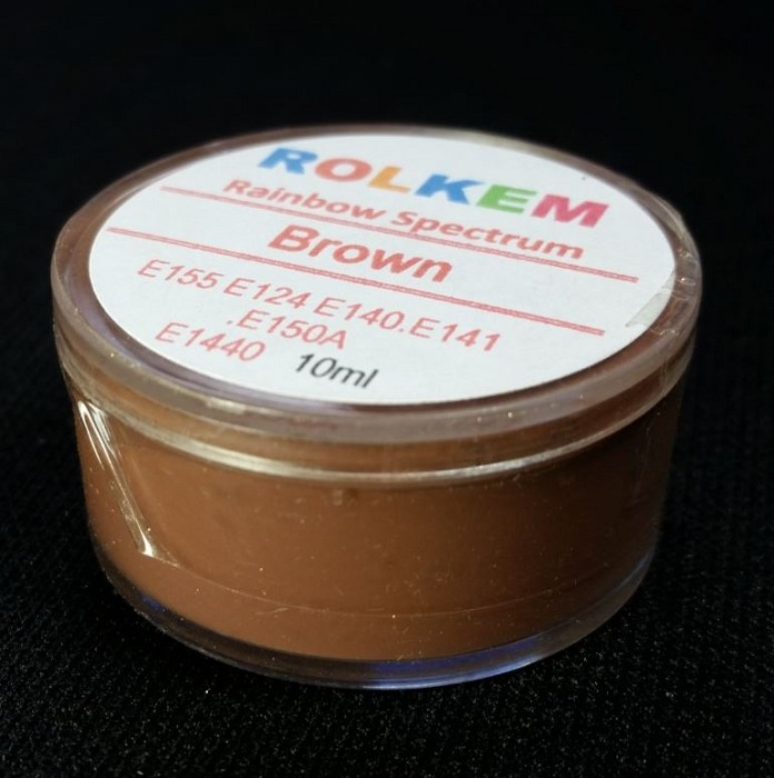 Brown Rainbow Spectrum Petal Dust By Rolkem-10ML. This Rolkem Spectrum Dust is food approved in Australia, the UK, and other European Union countries, otherwise it is considered non-toxic and for decorative use only. This product can be mixed directly into chocolate in it's powder form without diluting it first. It can also be mixed into paste for pastel shades and is water soluble. Color may vary slightly from batch to batch.