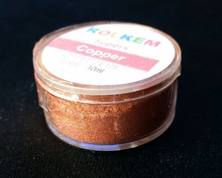 Super Copper Metallic Dust by Rolkem 10ML. This metallic highlighter dust is food approved in Europe, Canada, and Australia, otherwise it is considered non-toxic and for decorative use only. Rolkem super dust colors provide a glossy finish and will give your finished piece a beautiful metallic look. You can paint, mix, or dry brush this dust on fondant, gumpaste, icing, etc. and it leaves a brilliant shine. Color can slightly vary from batch to batch.