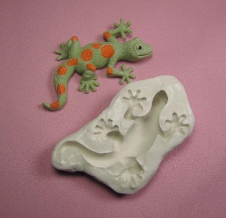 "Gecko Mold measures approximately 4"" x 2 1/4"" x 3/4""."