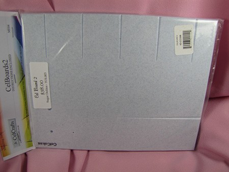 "Large CelBoard 2 by CelCakes measures 8"" x 10"". This non-stick, multi grooved cel board is great for making leaves with a raised, central vein. Instructions and non-slip mat included."