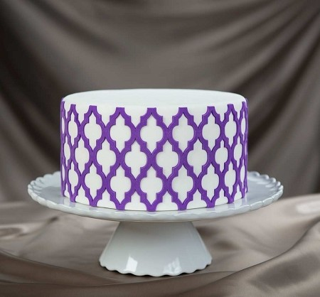 "Moroccan Lattice Onlay, by Chef Dominic Palazzolo of Marvelous Molds, measures 6 1/4"" x 4"". This FDA approved silicone Onlay will transfer its precise raised design onto most surfaces, perfectly every time. Onlays are great for sugar art related mediums, such as fondant, modeling chocolate and gumpaste. All pattern Onlays fit perfectly around even numbered circular cake layers."