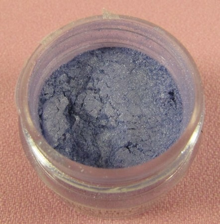 Sterling Pearl Periwinkle Luster Dust by TSA. 1/2 oz. Net, kosher. This is an FDA approved luster dust.