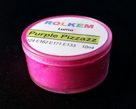 Purple Pizzazz Lumo Petal Dust By Rolkem 10ML. This petal dust is approved for food use in the Australia, the UK and other European Union countries, otherwise it is classified as non-toxic and for decorative use only. Lumo dusts are UV reactive and glow in the dark under a black light and contain highly concentrated pigments, not blends. This dust mixes well with fondant, gumpaste, water soluble royal icing, butter icing, pastalage, ethanol, and cocoa butter. This dust is also water soluble. This dust can be mixed directly into chocolate, too. Color may vary slightly from batch to batch.