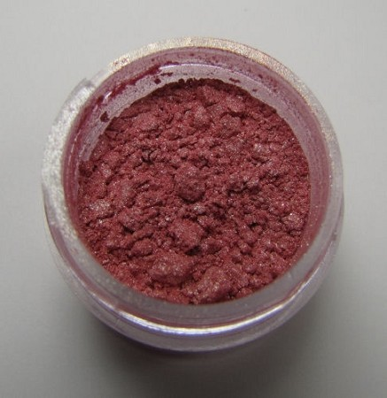 Sterling Pearl Rosie Luster Dust by TSA. 1/2 oz. Net, kosher. This is an FDA approved luster dust.