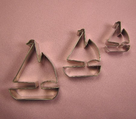 "Sailboat Set of 3 includes 3 different sized Sailboat cutters. The Largest Sailboat cutter measures 3"" x 2 1/2"" and the smallest Sailboat cutter measures 1 1/2"" x 1 1/4""."