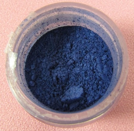 Sterling Pearl True Blue Luster Dust by TSA. 1/2 oz. Net, kosher. This is an FDA approved luster dust.